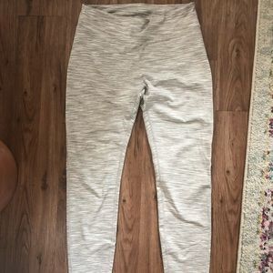Outdoor Voices freeform leggings size Large